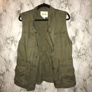 Jackets & Coats - Per se green army styled vest